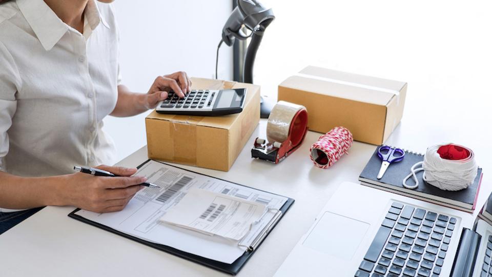 Cuándo y cómo hacer una factura correctamente